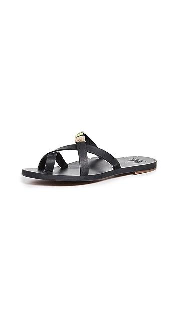 beek Pintail 凉鞋