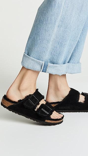 Birkenstock Arizona 连毛羊皮凉鞋 - 窄版