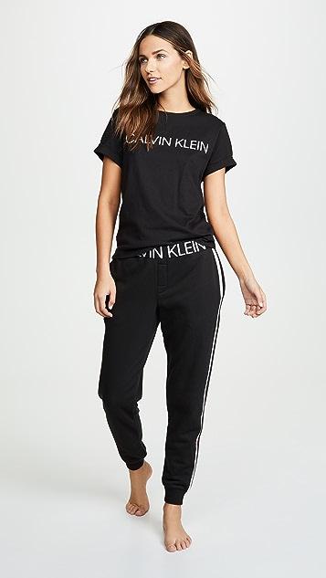 Calvin Klein 钢托文胸 Statement 1981 睡裤