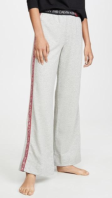 Calvin Klein 钢托文胸 1981 醒目睡裤