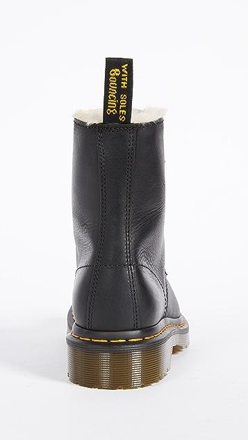 Dr. Martens 1460 Serena 8 孔仿羊羔绒靴子