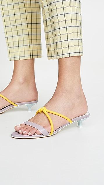 Gray Matters 荧光色凉鞋
