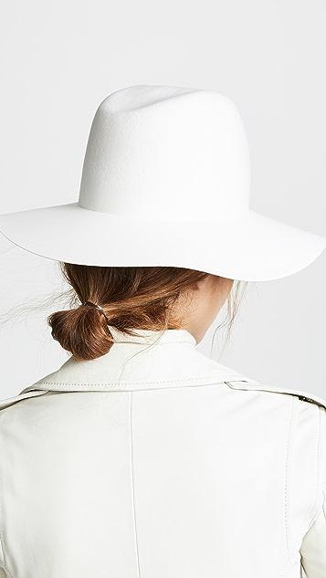 Janessa Leone 天蓝色帽子