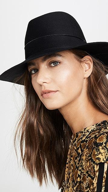 Janessa Leone Dylan 帽子