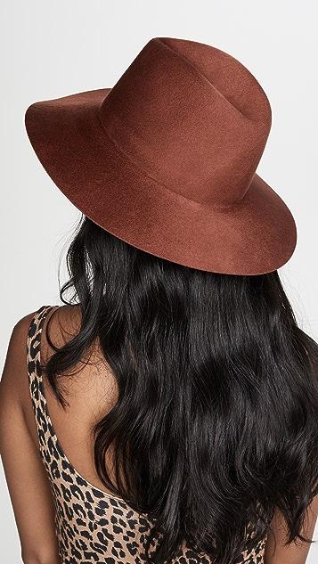 Janessa Leone Caden 帽子