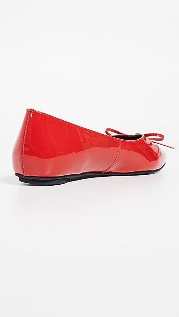 Jeffrey Campbell Lavinia 尖头平底鞋