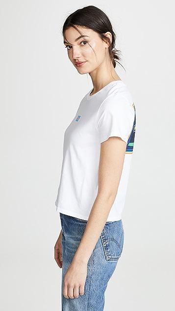 Levi's 图案冲浪 T 恤