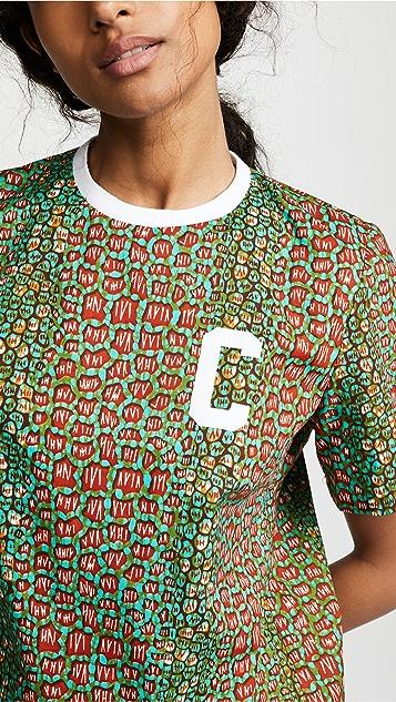 Maison Chateau Rouge 多色图案徽标 T 恤