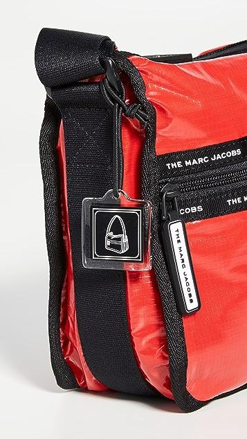 Marc Jacobs 厚织尼龙邮差包
