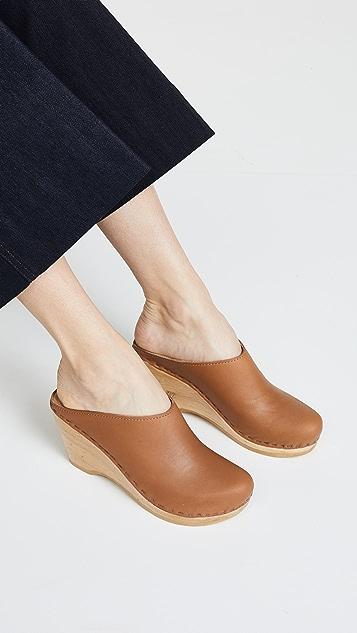 No. 6 新型学院风木底鞋