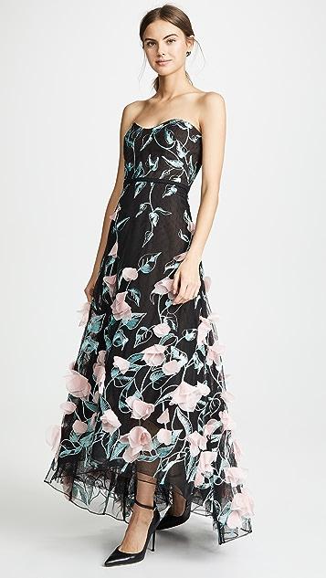 Marchesa Notte 3D 花朵无肩带高低不对称下摆刺绣礼服