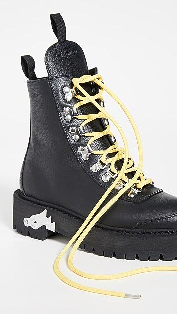 米白色 登山靴