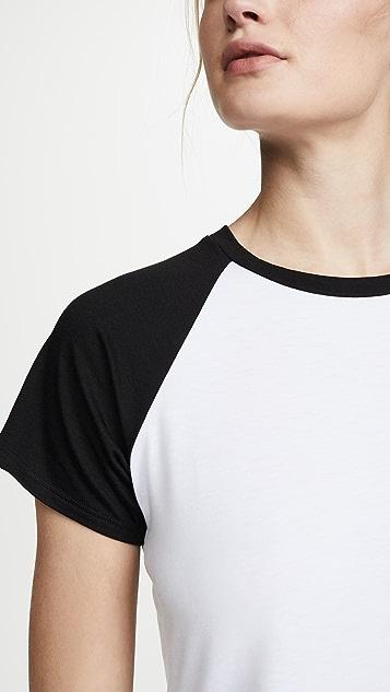 Onzie 棒球短款 T 恤
