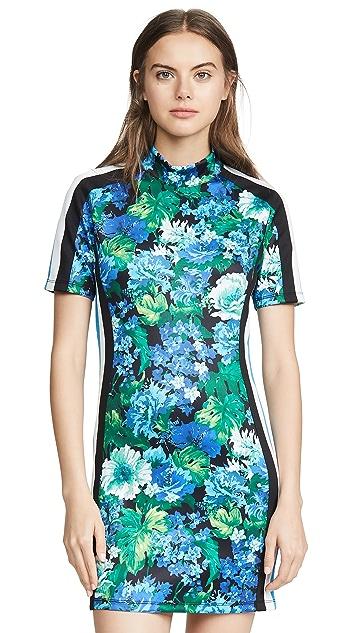 Pam & Gela 半高领连衣裙