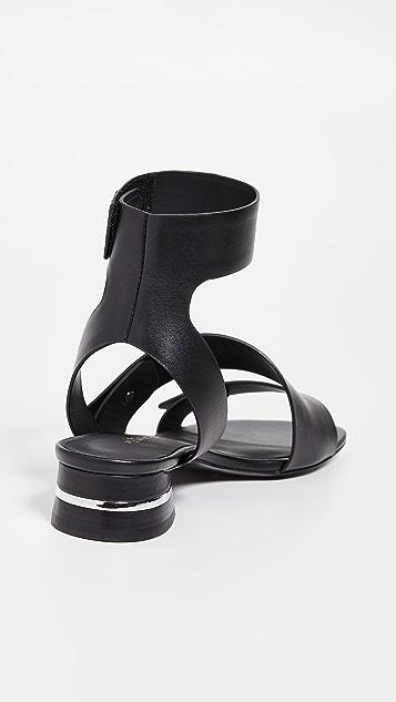 3.1 Phillip Lim Drum Rivets 凉鞋