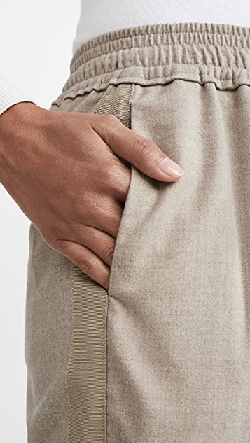 3.1 Phillip Lim 侧条纹运动裤