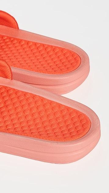 APL: Athletic Propulsion Labs Big Logo TechLoom 凉拖鞋
