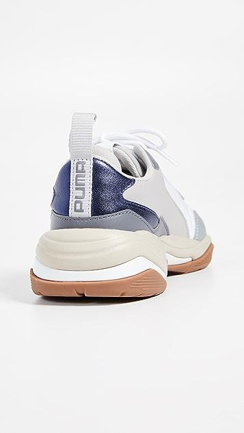 PUMA 闪电形亮色运动鞋