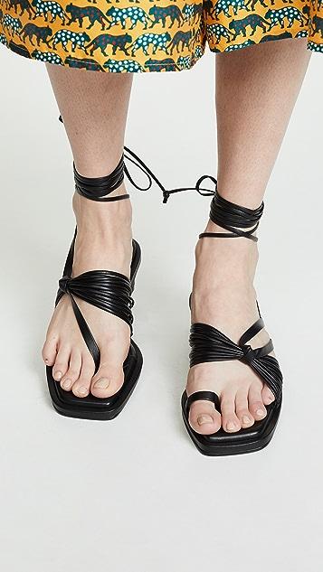 Reike Nen Unbalanced 系带夹趾凉鞋