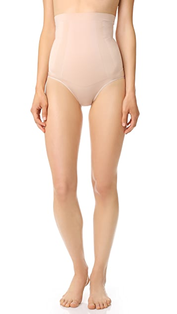 SPANX Oncore 高腰短内裤