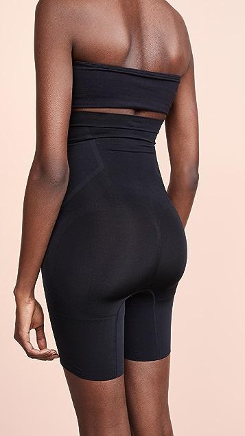 SPANX Oncore 长至大腿中部的高腰短裤