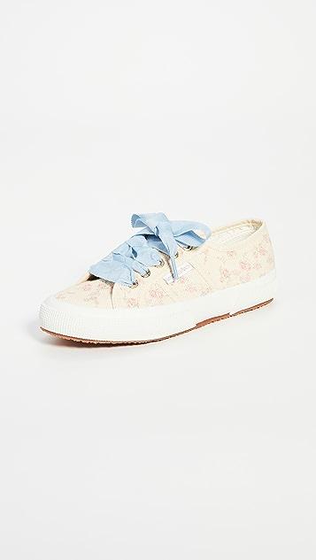 Superga x LoveShackFancy 2750 Rosetta 花卉运动鞋