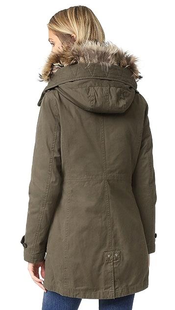 Woolrich Scarlett Eskimo 大衣