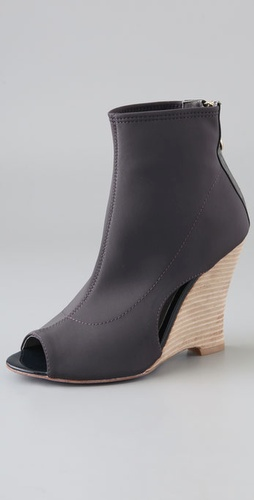Charlie My Love Wave Stretch Wedge Bootie