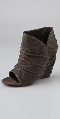 Elizabeth And James Stack Draped Wedge Bo