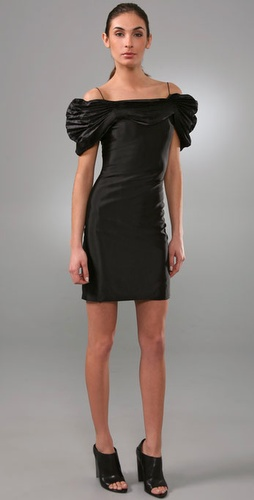 Elise Overland Dress With Pleated Necklin