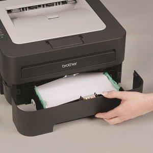 Adjustable, 250-sheet capacity paper tray