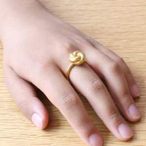 Knotty Ring in 3D Printed, Gold Plated Stainless Steel