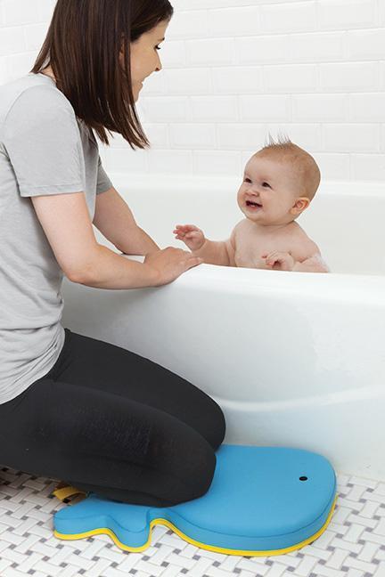 Amazon.com : Skip Hop Moby Bath Kneeler, Blue : Baby