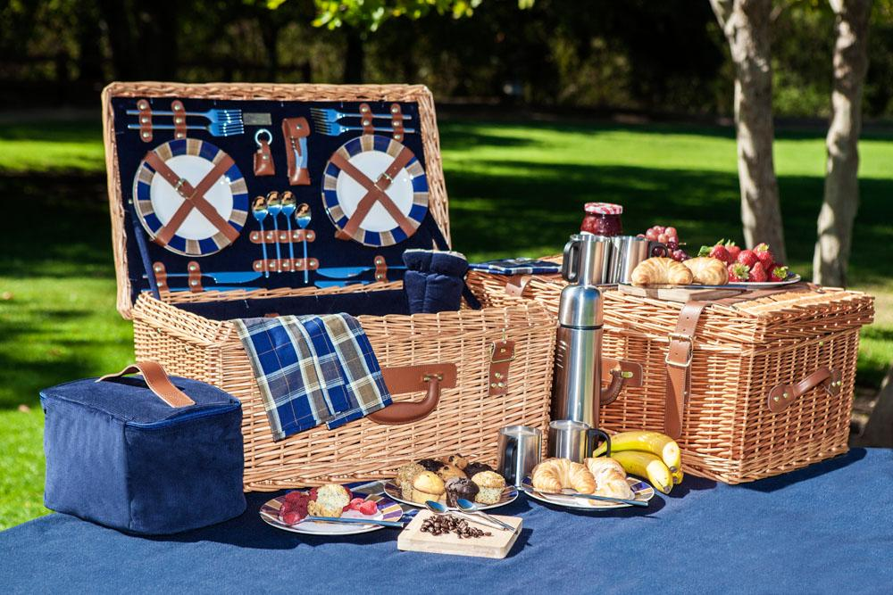 Windsor Picnic Basket For 4 : Picnic time windsor english style willow