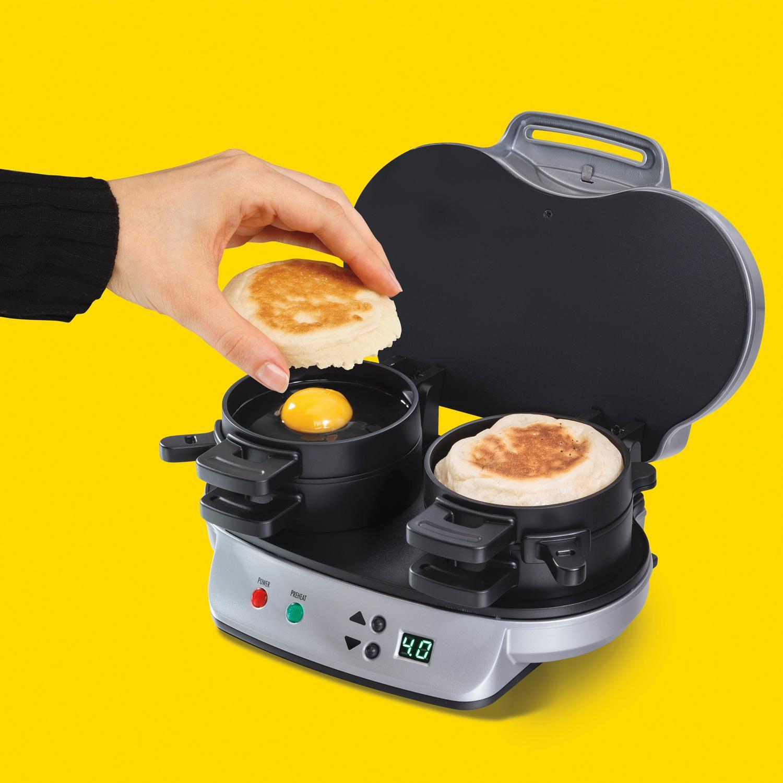 hamilton beach 25490 dual breakfast sandwich maker kitchen dining. Black Bedroom Furniture Sets. Home Design Ideas