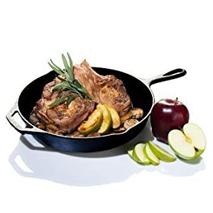 cast iron frying pan, skillet, round frying pan