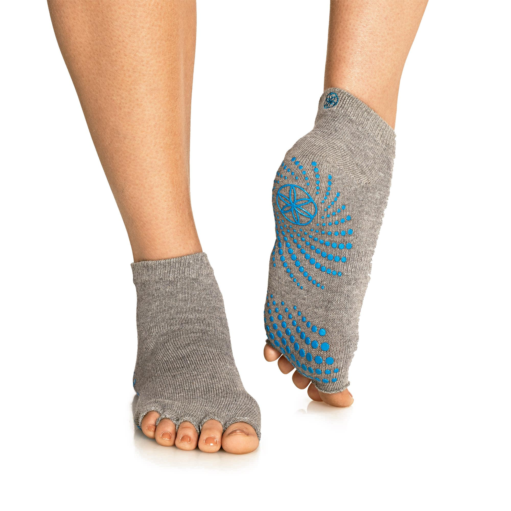 Amazon Com Gaiam Grippy Toeless Yoga Socks Small Medium