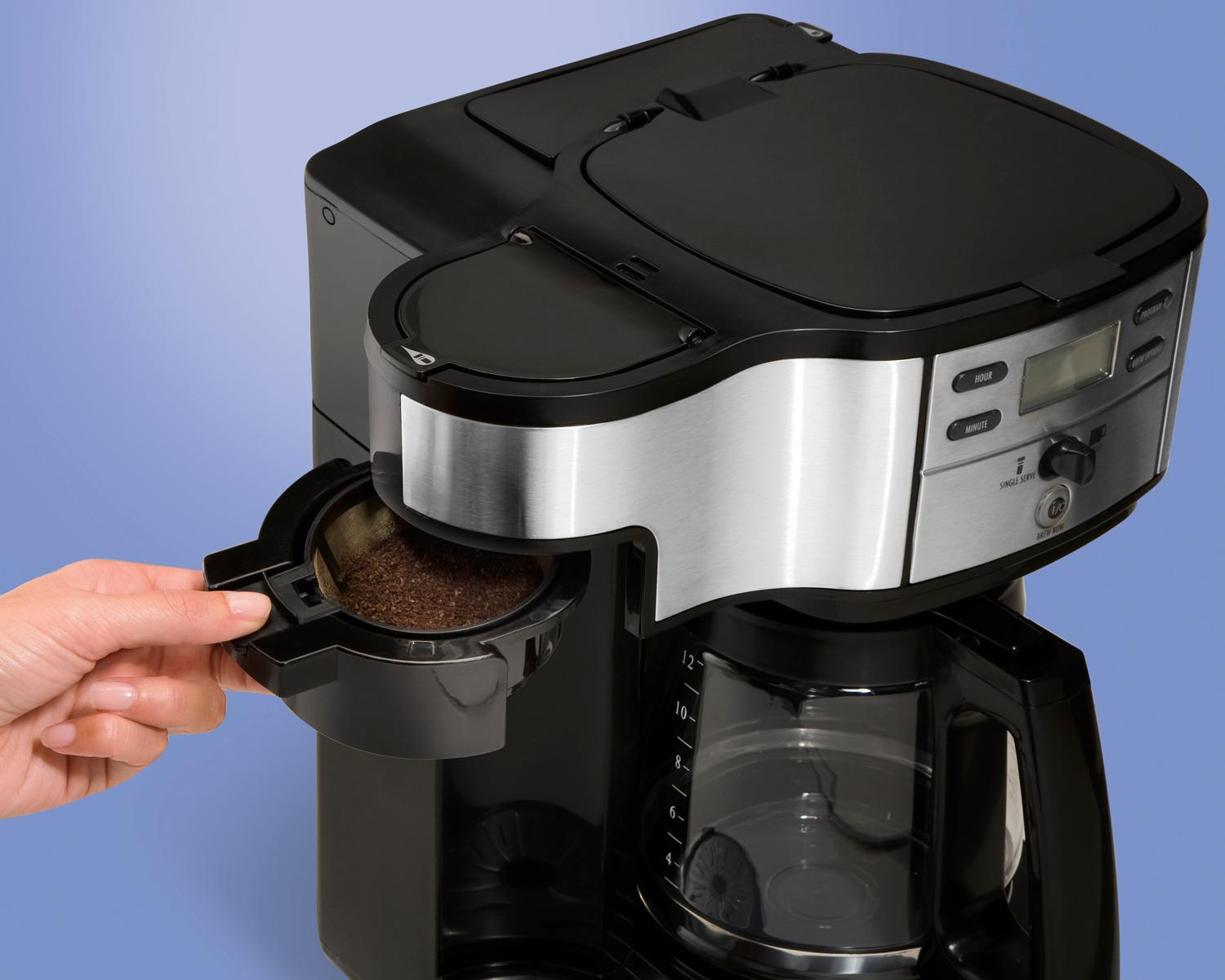 Hamilton Beach Single Serve Coffee Brewer And Full Pot