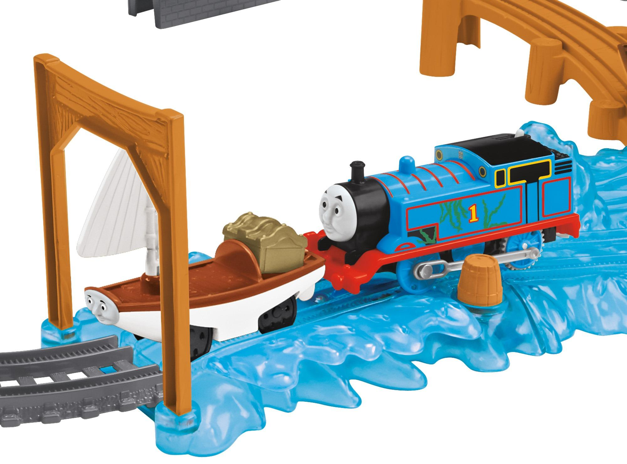 Fisher price thomas train trackmaster treasure chase set for Thomas friends trackmaster motorized railway