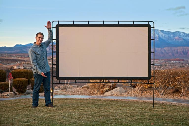 Camp chef os92l portable outdoor movie screen for Portable garden screen