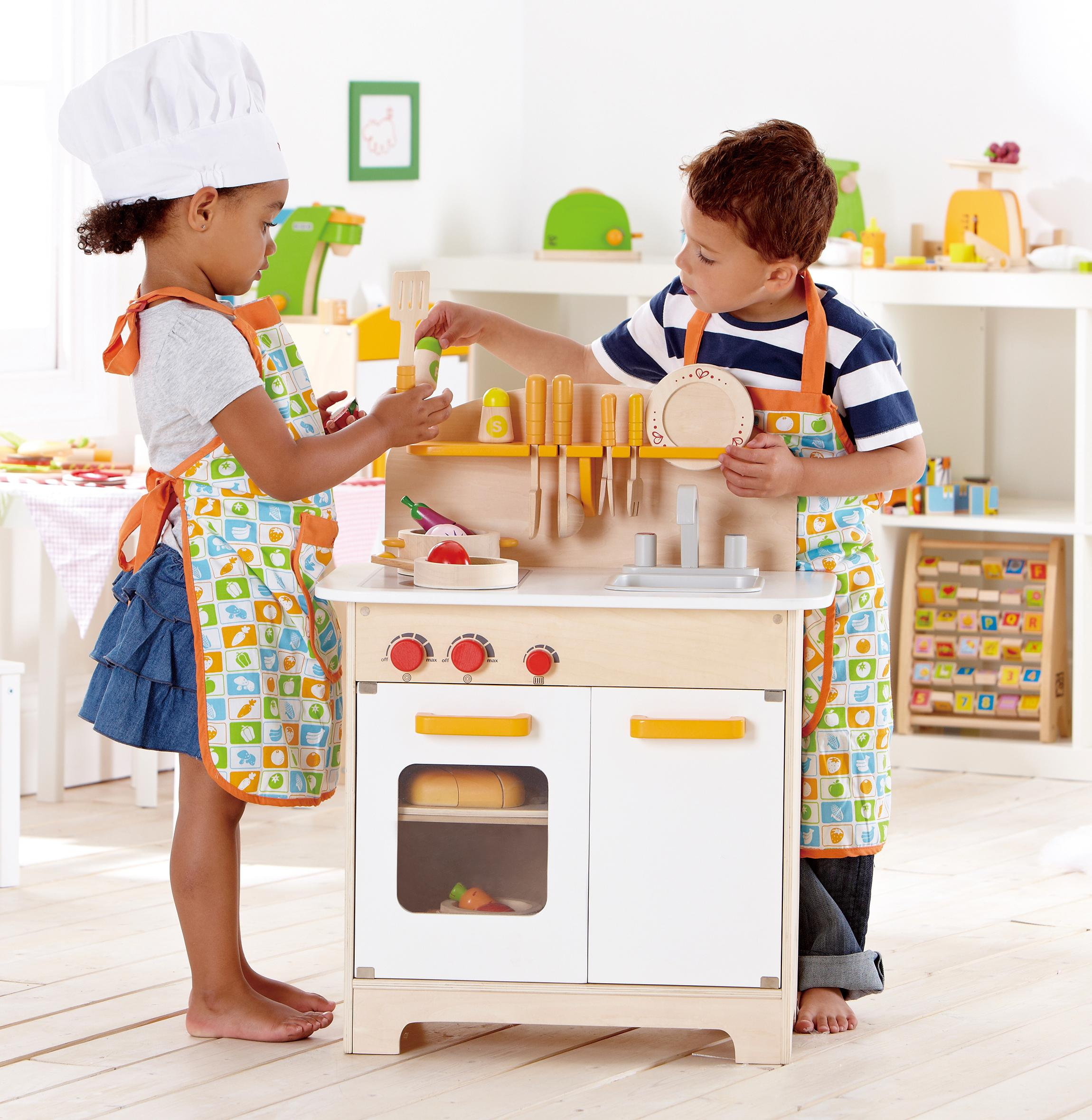 Hape playfully delicious gourmet kitchen for Kitchen set game