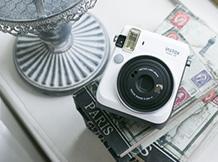 Instax;Mini 70;White;Polaroid