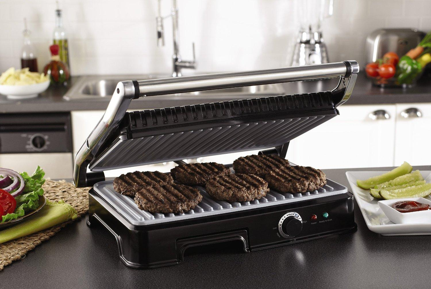Extra Large Grilling Surface Accommodates Meals For The Entire Family