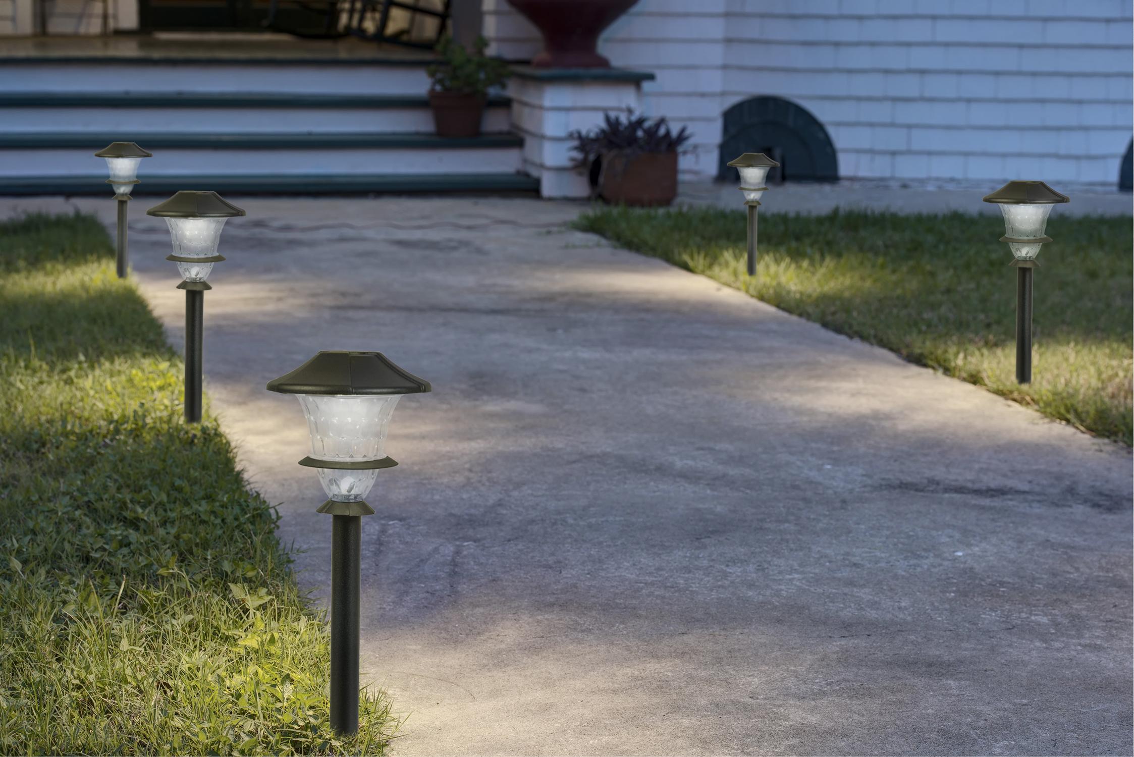 Paradise gl33966bk low voltage cast aluminum led path for Led walkway lights