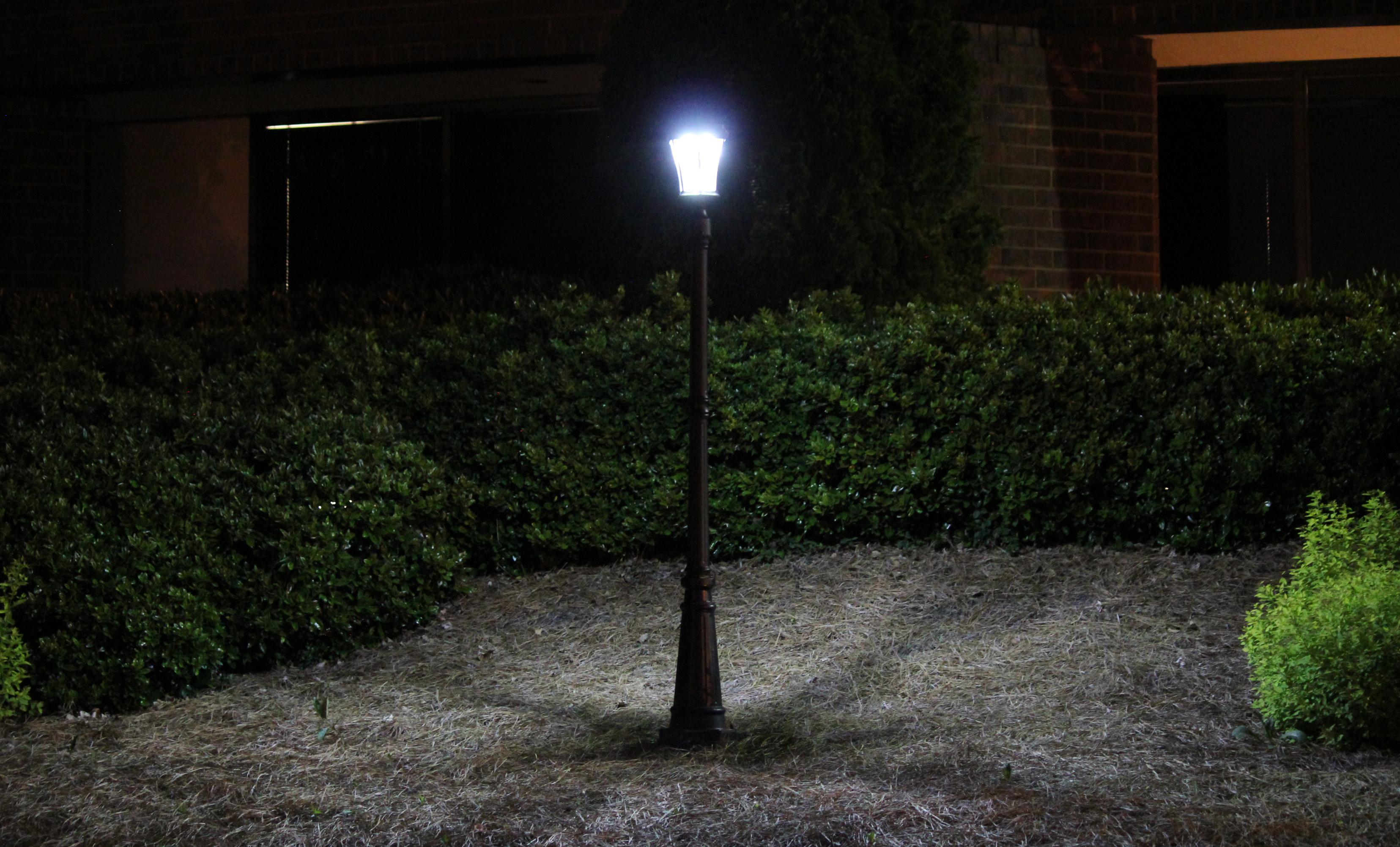 Amazon.com : Gama Sonic Victorian Solar Lamp Post and Single Lamp LED