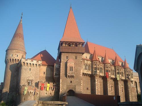 sepuluh istana dan benteng paling unik dan menarik didunia
