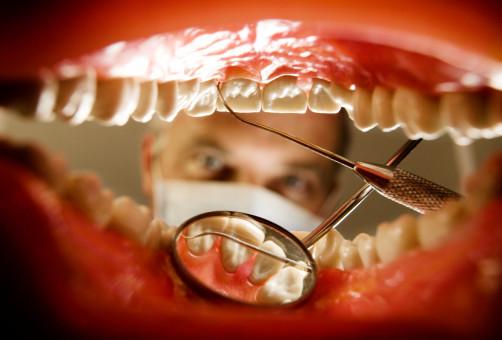Берегите ваши зубы - эмаль, которая их покрывает, тверже