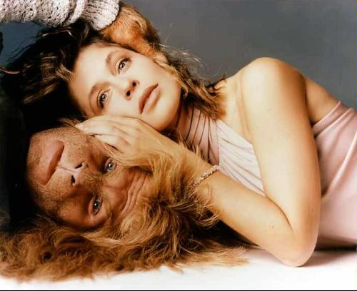 "Linda Hamilton and Ron Perlman ""Beauty and the Beast"" (1987-1990)"