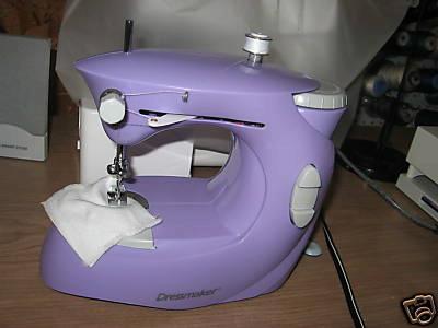 dressmaker sewing machine 998b