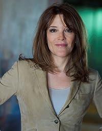 Image of Marianne Williamson